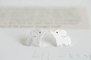 leuke olifant oorbel