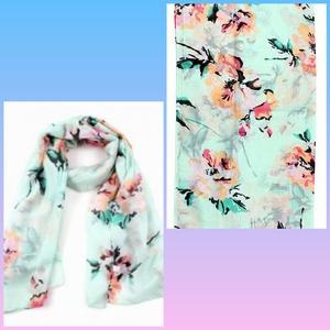 Sjaal met bloemen blauw